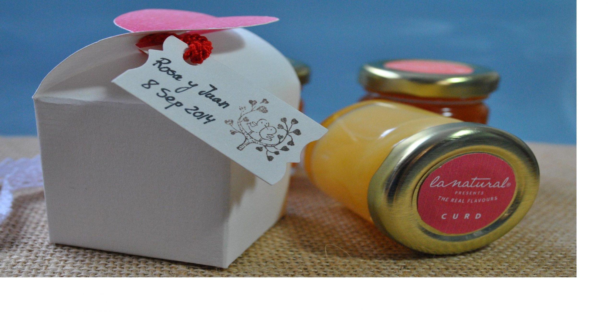 Detalle para invitados de boda: Mini-mermeladas con amor